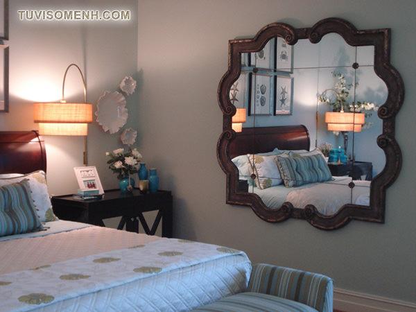 Sử dụng gương trong phòng ngủ